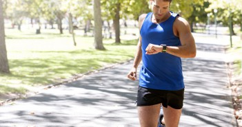 HOW FAR? HOW FAST? THE ADVANTAGES OF GPS AND HEART RATE WATCHES FOR RUNNING