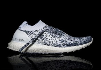 THE ULTRA BOOST UNCAGED IN AN OREO LOOK
