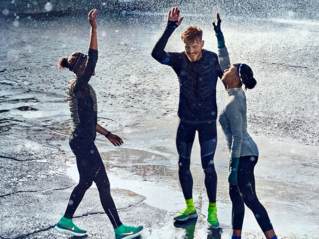 NIKE RUNNING CLOTHES FOR THE COLD AND WET SEASON