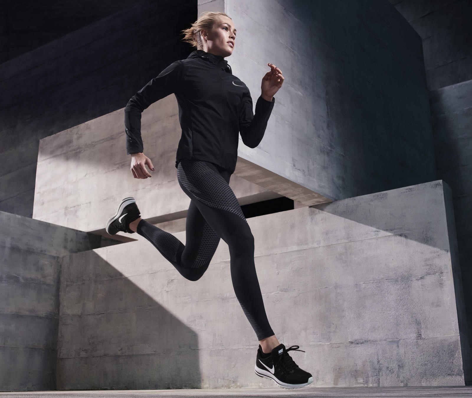 NIKE ZONAL STRENGTH LEGGINGS FOR WORKING OUT AND RUNNING
