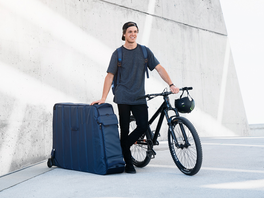 SOON AT KELLER SPORTS: INTELLIGENT BIKE BAGS FROM DOUCHEBAGS
