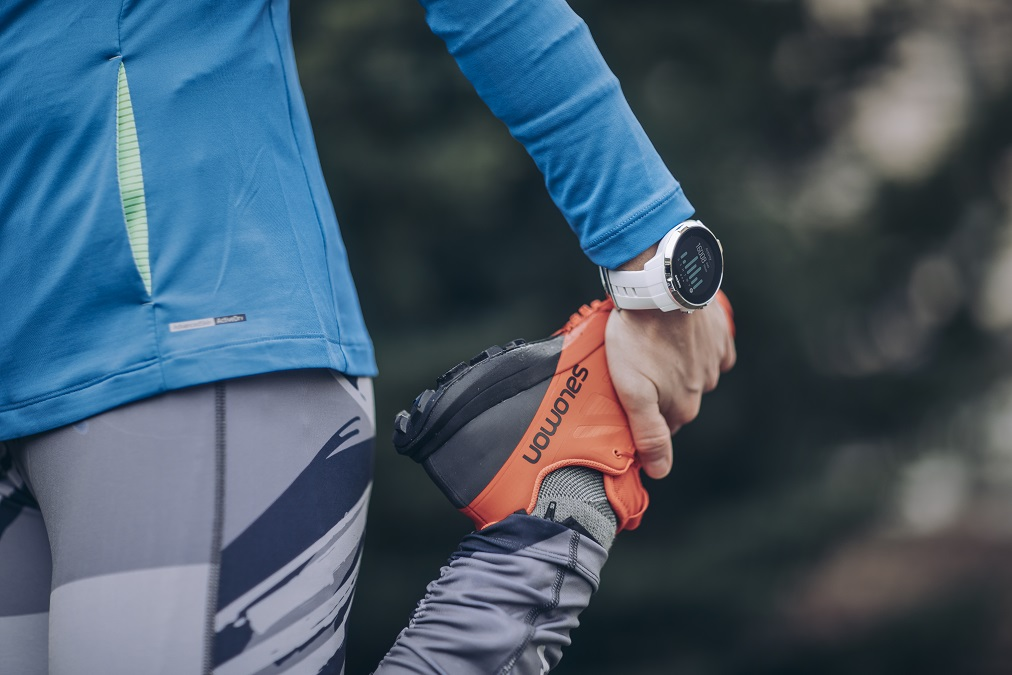 Suunto_Spartan_Sport_White_closeup_action