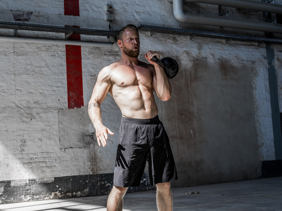 TRAINING WITH KETTLEBELLS - KELLER SPORTS PRO ART EXPLAINS WHY IT'S SO EFFECTIVE