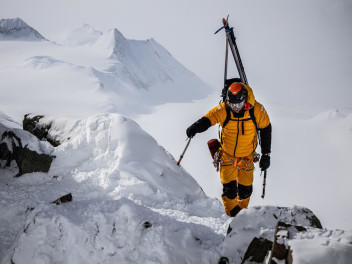 tested-in-extreme-conditions-the-summit-l3-down-jacket-by-the-north-face