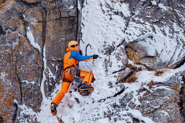 The Mammut Eiger Extreme Nordwand Pro Hardshell Pants in Test 2020