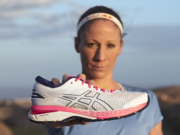 ASICS GEL-KAYANO 25: STABLE, CUSHIONED PROTECTION FOR YOUR RUN