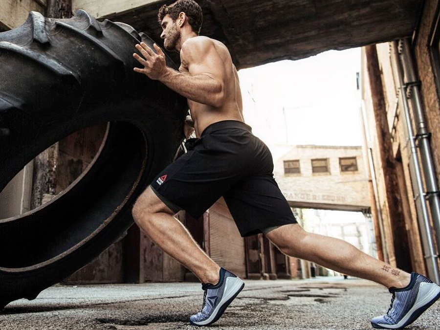 REEBOK CROSSFIT: FIND ALL YOU NEED TO GET STRONGER IN OUR SELECTION