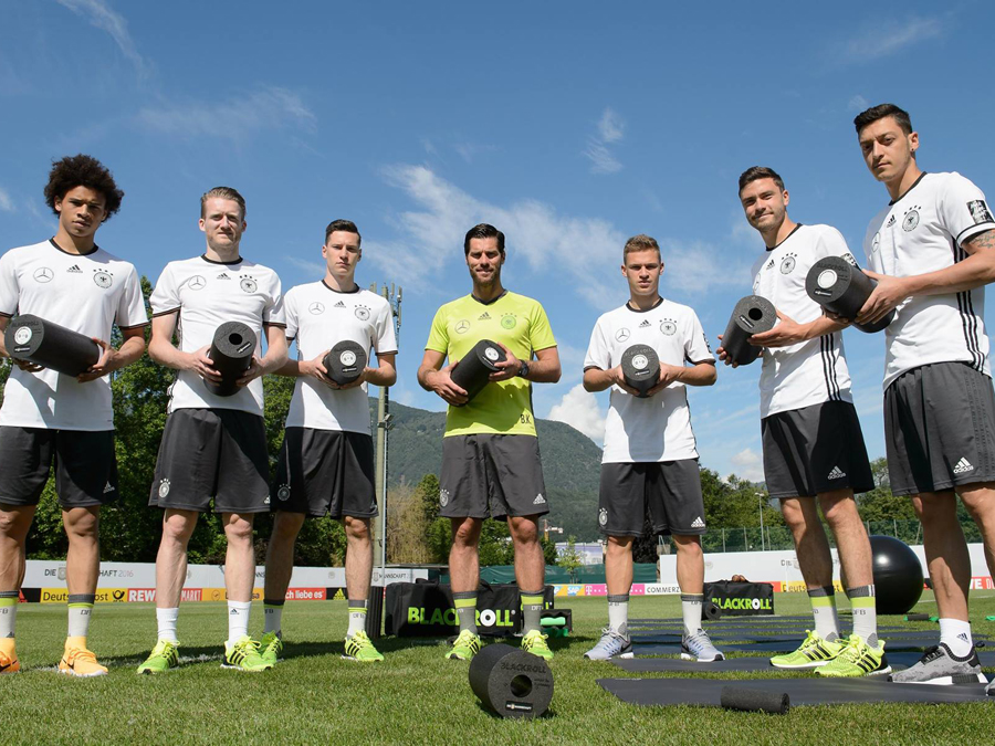 THE BLACKROLL DIE MANNSCHAFT PERFORMANCE KIT: TRAINING AND REGENERATION LIKE THE DFB PROS