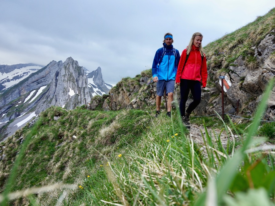 TESTING PYUA OUTDOOR CLOTHING - SUSTAINABLE MOUNTAIN HIKES