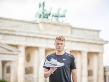 NIKE ZOOM PEGASUS TURBO BERLIN & EPIC REACT PARIS: THE NO FINISH LINE EDITIONS
