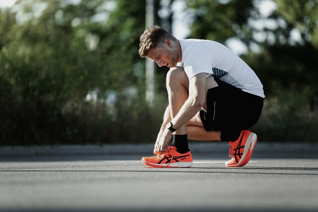 Keller Sports Pro Jan Lau has tested the new ASICS Metaracer shoes for running performance in training 2020