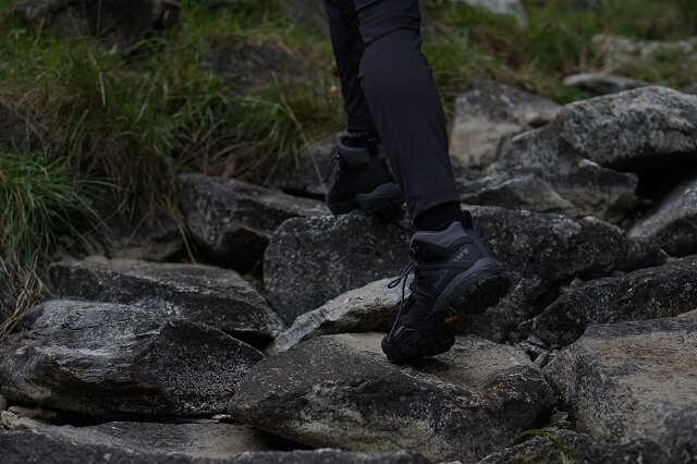 The Mammut Ducan Mid Gore Tex outdoor shoes convince in the 2020 test for climbing, mountaineering and trekking