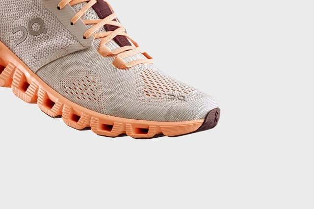 Thanks to CloudTec technology, the On Cloud X benefits from soft cushioning and a reactive impression