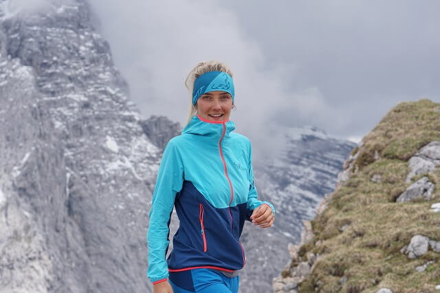 The Dynafit Transalper Dynastretch softshell jacket in product test 2020 during mountaineering and trail running
