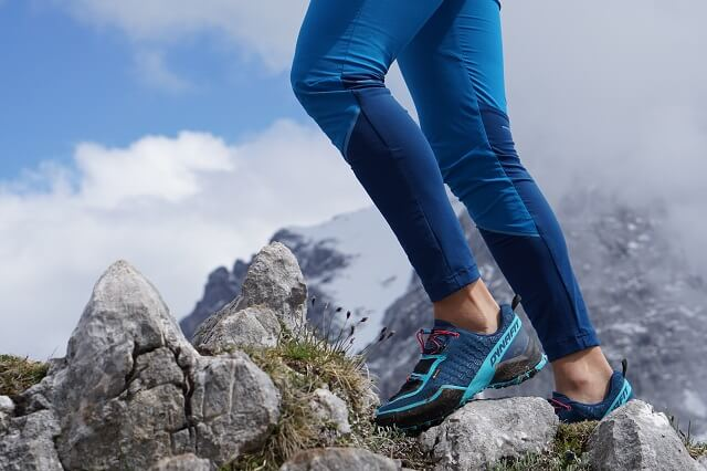 The Dynafit Transalper Hybrid pants in product test 2020 during mountaineering and trail running