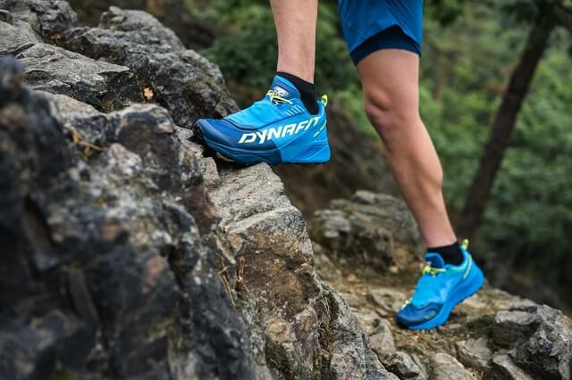 The Dynafit Ultra 100 Trailrunning shoe convinces with a lot of comfort and grip on alpine trail runs