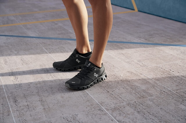 The On Cloud X running shoes are versatile all-round sports shoes for your variable training