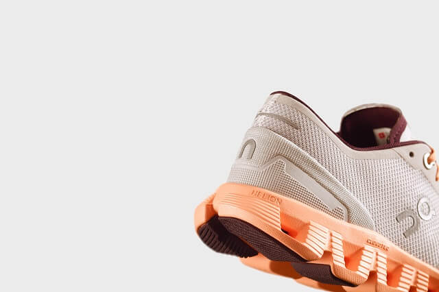 The heel cap in On Cloud X provides a lot of stability and support for fast and multidirectional movements