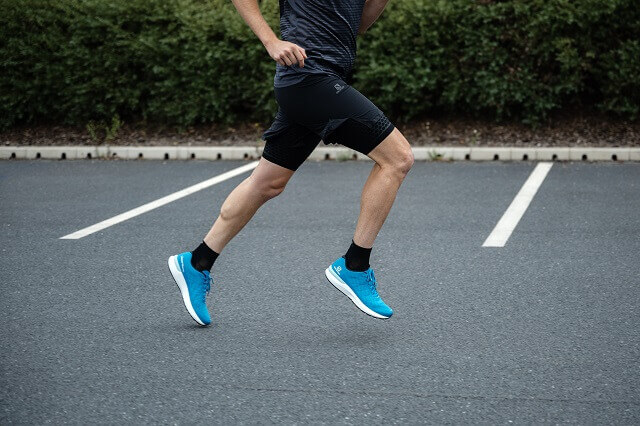 The Salomon Sonic running shoes Balance Accelerate and Confidence convince in the Running Test 2020 with high comfort and stability