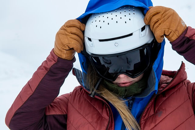 The Sweet Protection Ascender MIPS ski touring helmet comes with many features like MIPS technology and the innovative STACC ventilation system