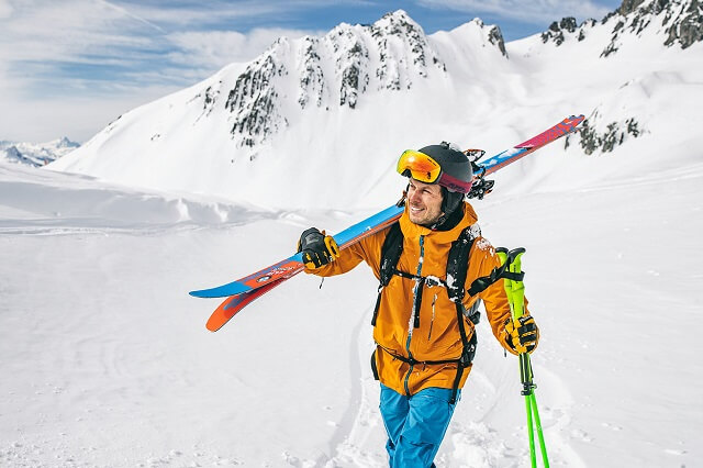 Professional freerider Roman Rohrmoser with the Schöffel 3L La Grave men's ski jacket