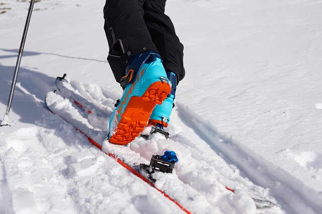 The Dynafit ST Radical touring binding in the Ski Tour Winter Sports Test 2020 2021