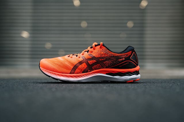With the ASICS GEL Nimbus 23 and the SunriseMind campaign, the Japanese brand promotes sports at sunrise