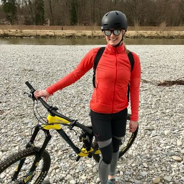 Our #kellersportspro Sophie tested this @salewa outfit for us on her Mountainbike ?? read all ...