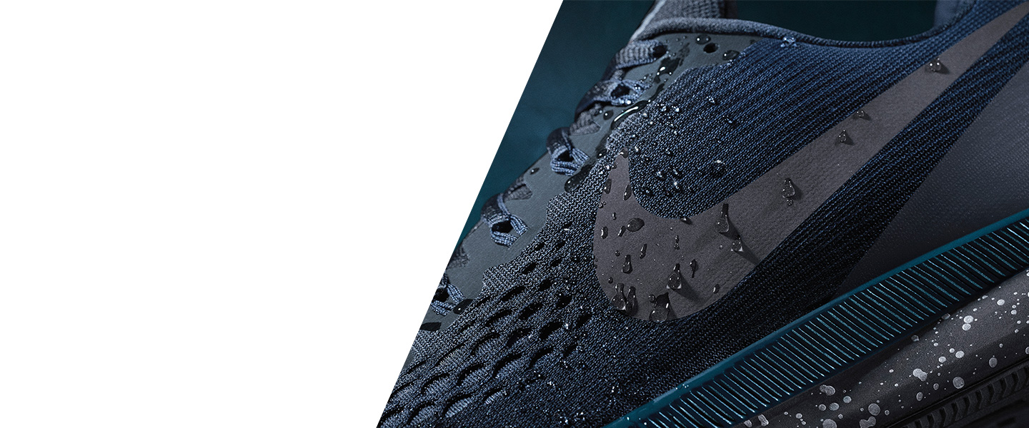 You can count on Nike's innovative technologies for your runs and workouts - experience unparalleled functionality and design.