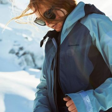 Freedom of movement and durability! #tetonjacket the shell jacket you can rely on! @peakperformance ...