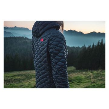 Tested and approved by our outdoor pro @lisamder  #TheNorthFace #ThermoBall #Pro #approved ?? ?...