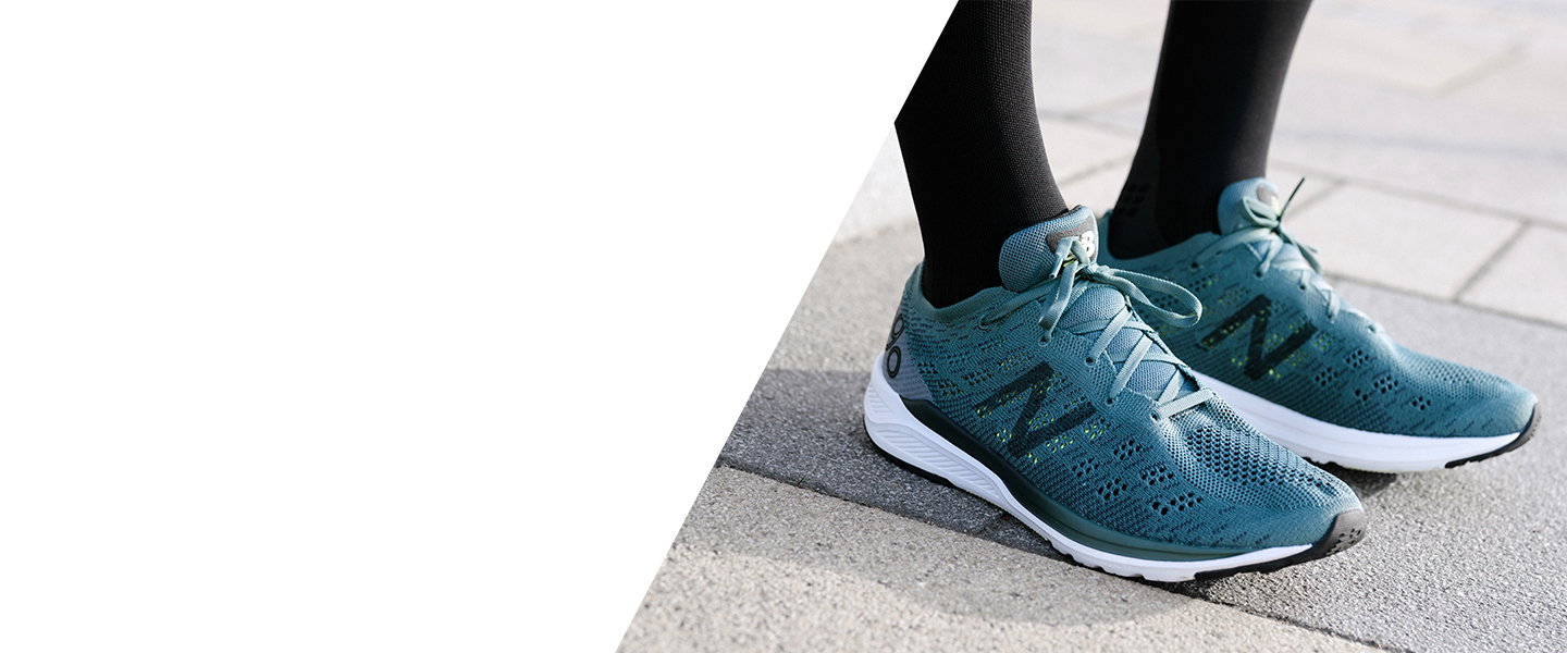 When the going gets tough, the 890v7 by New Balance gets going. With its reactive midsole and slim fit, you can count on it for daily training.