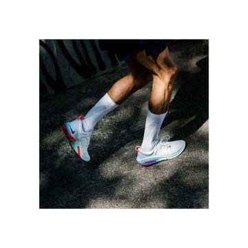 Enjoy your run with @nike joyride. The tiny beads adapt to your foot and provide cushioning that mee...