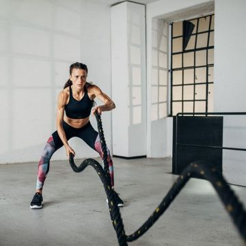 Burpees, Frogjumps, Plank or Lunges? Whats your favourite exercise? For Imke´s full HIIT workout - ...