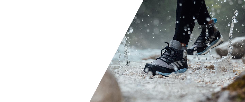 För dina resor, bergsvandringar och stadsutflykter: med den senaste Free Hiker GTX erbjuder adidas TERREX en mångsidig följeslagare som inte gör dig besviken.