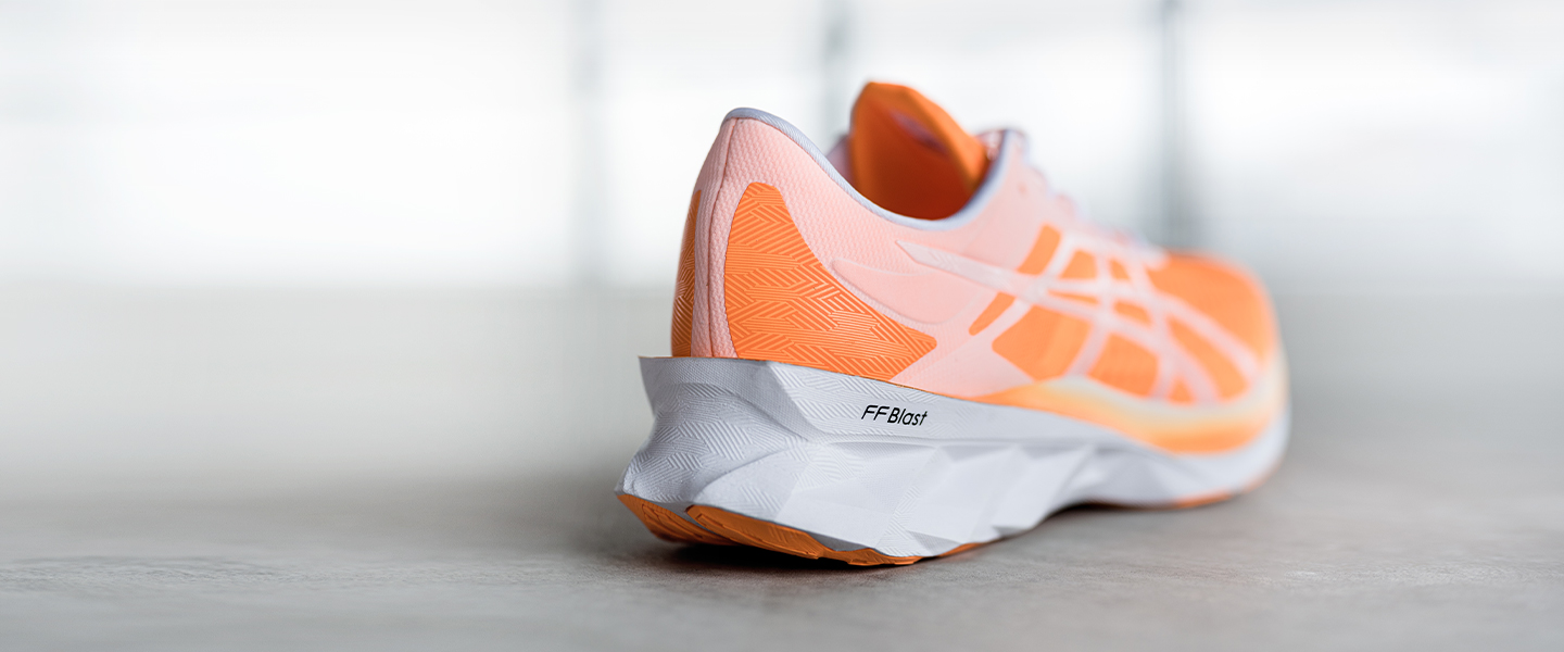 The NOVABLAST™ is the newest member of the ASICS Running family. With the FLYTEFOAM Blast™ midsole you will experience a springy, energetic ride.