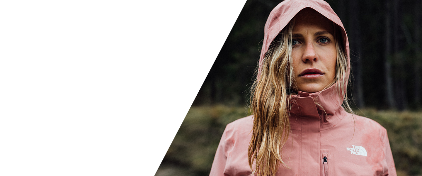 Whether for the city or for nature: Shop versatile outdoor products from The North Face.